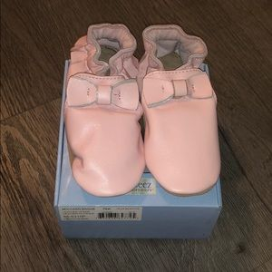 Brand new pink Robeez leather Maggie Moccasin